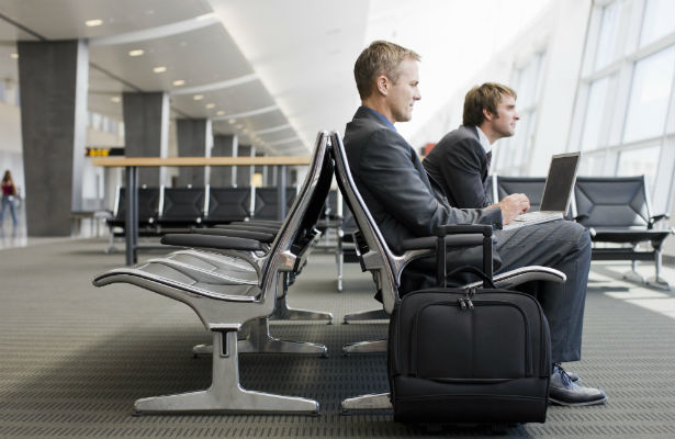 Americans Think Dating a Business Traveler is a Good Idea dating-singles-meetville-matchmaking