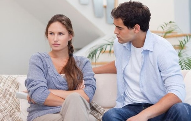 5 Ways to Tell You're Dating the Wrong Person dating-singles-meetville-matchmaking