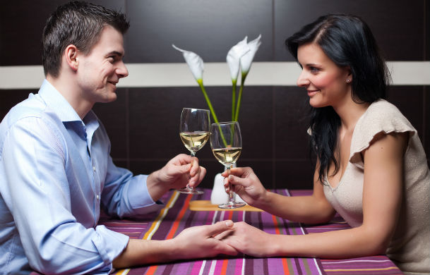 Useful Dating Tips You Should Know dating-singles-meetville-matchmaking1