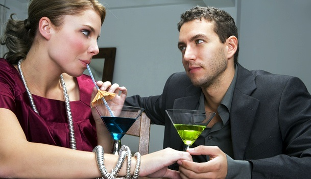 5 Questions to Never Ask On a First Date dating-singles-meetville-matchmaking