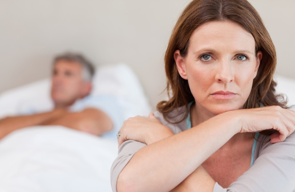 4 Signs You May Be Suffocating Your Partner dating-singles-meetville-matchmaking