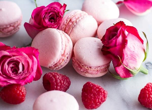 Coconut-Raspberry-Macarons-With-Raspberry-Rose-Buttercream-110