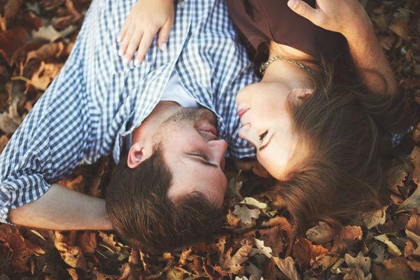fall-engagement-photo-ideas15