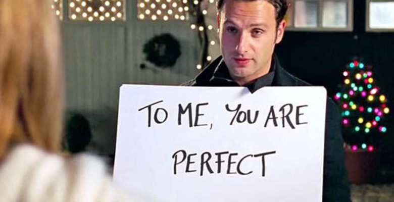 love-actually-signs-he-loves-you