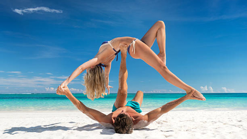 couple yoga in relationship