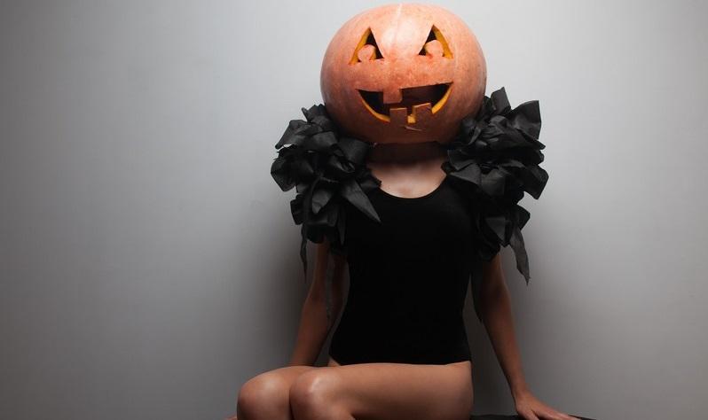 single on Halloween