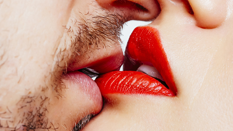 7 Places She Wants You to Kiss